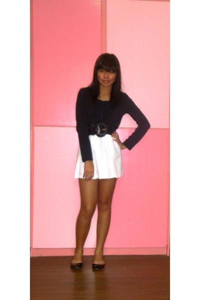 black H&M top - white united colors of benetton skirt