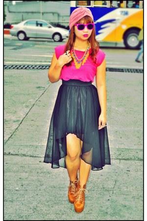 hot pink Ray Ban sunglasses - black mullet bazaar find skirt