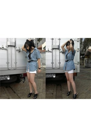 leather Charles and Keith heels - jeans heath shirt