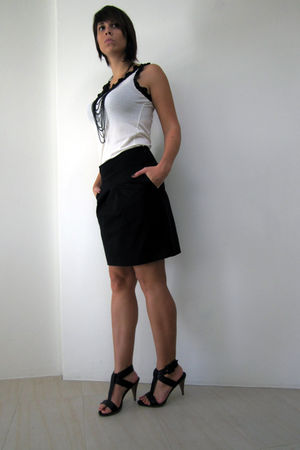 black Jacob skirt - black Target shoes - tank MangoNG top - black H&M necklace