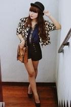 floral blazer vintage blazer - hat - satchel gift bag - shorts