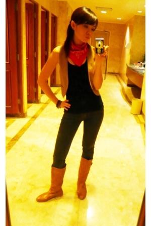 Topshop t-shirt - Dorothy Perkins jeans - Cats whiskers vest - Macau boots - Phu