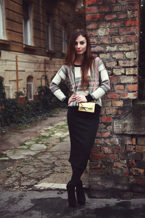 pencil skirt H&M skirt - nubuk Kurt Geiger boots - metallic Mango bag