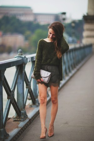 dark green knitted H&M jumper - tan snakeskin Topshop bag