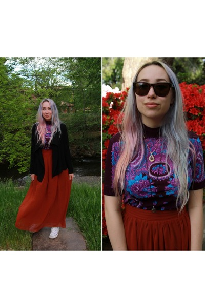 vintage shirt - Burberry sunglasses - lolita skirt - Converse sneakers