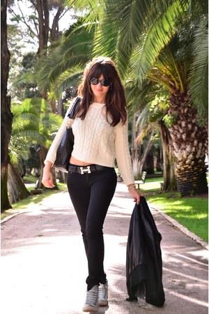 black Levis jeans - black vintage jacket - beige Mango sweater