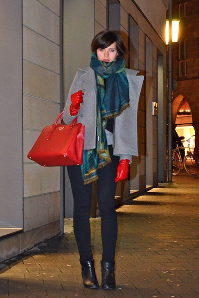 89b9bf973d red Prada bag - black Zara boots - black Levis jeans - heather gray COS  jacket
