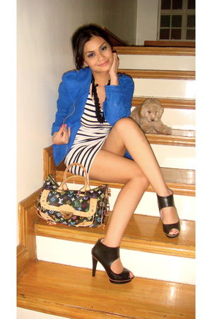 black H&M shoes - white H&M dress - blue HK blazer