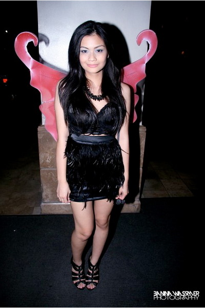 black SM skirt