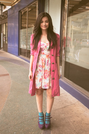 hot pink Hong Kong coat