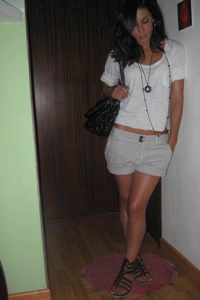 Bershka t-shirt - vintage shoes - xx accessories