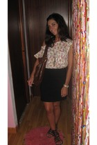 Zara t-shirt - H&M skirt - vintage purse