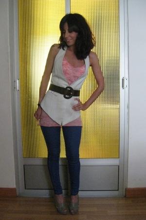 Zara t-shirt - vintage vest