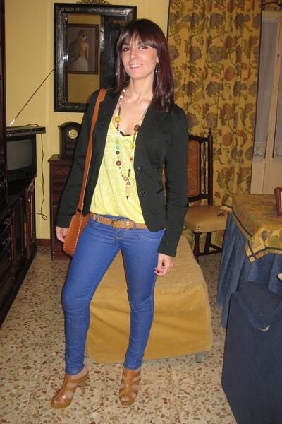 AA blazer - Zara shirt - Zara intimate - Bershka pants - BLANCO belt - accesorie