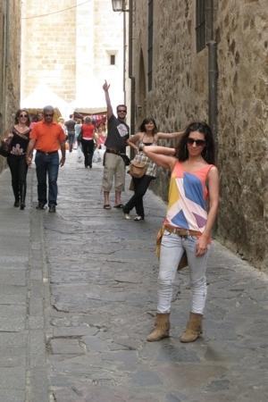 H&M t-shirt - Bershka jeans - Stradivarius boots - vintage purse - BLANCO belt