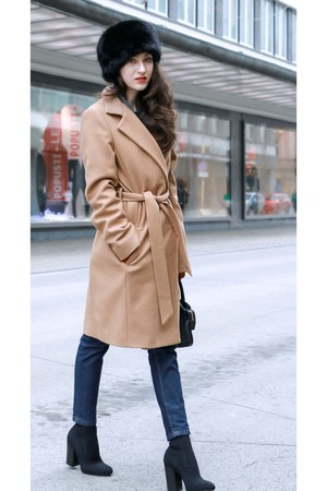 black sock booties Elena Iachi boots - camel wrap wool escada coat