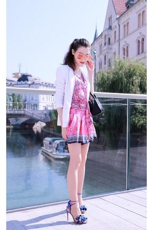 blue tassels Aquazzura sandals - bubble gum printed silk Juicy Couture shorts