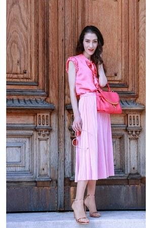 pink stuart weitzman sandals