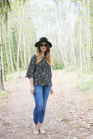 Old Navy boots - American Eagle jeans - Forever 21 hat - Old Navy blouse