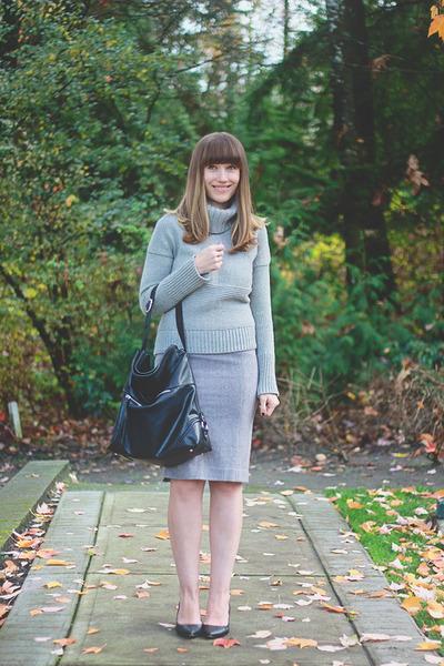 Aldo Shoes shoes - Gap sweater - banana republic bag - RW and co skirt