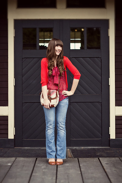 American Eagle jeans - Jeffrey Campbell shoes - Old Navy blouse