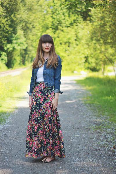 Forever 21 skirt - Zara shoes - H&M jacket - Joe Fresh top