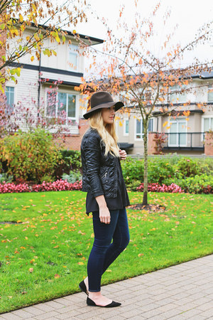 American Eagle jeans - Zara shoes - American Eagle hat - Forever 21 jacket