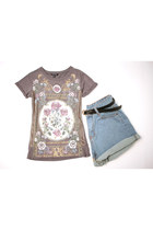 Rusty Flower and Stud tee