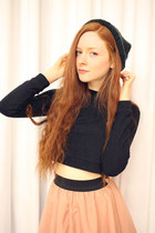 beanie VeryHoney hat - crop top VeryHoney top