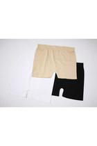 SEAMLESS STAPLE SHORTS [BLACK,WHITE,NUDE]