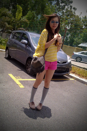 hot pink H&M shorts - heather gray H&M socks - yellow pull&bear t-shirt