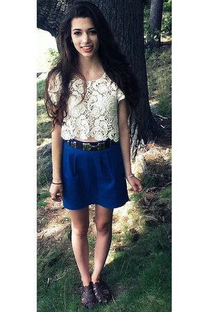 blue pencil Urban Outfitters skirt - off white crochet LF top