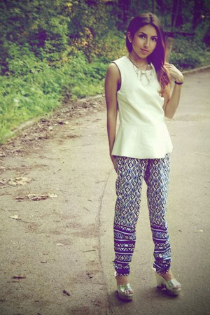 white Urban Outfitters top - blue Forever 21 pants