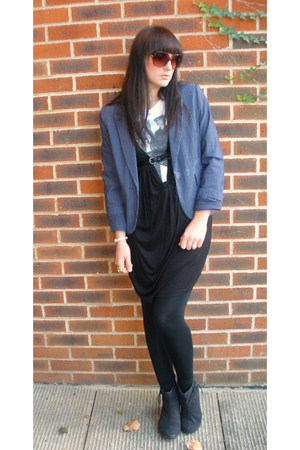 Primark blazer - Matalan t-shirt - H&M dress - Topshop leggings - Daniel Footwea