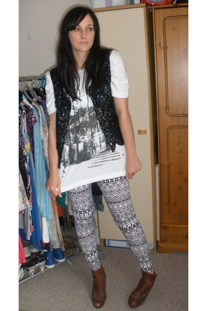 vintage top - Peacocks mens department t-shirt - Matalan leggings - H&M boots