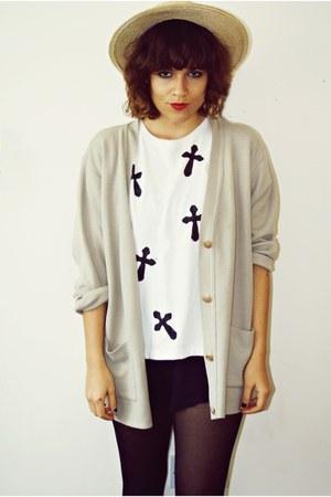 DIY t-shirt - Zara shorts