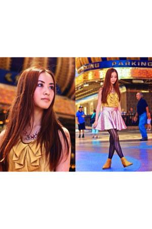 flower Forever 21 necklace - Victorielle skirt