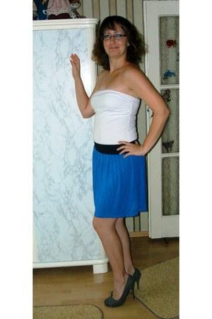 Orsay skirt - Takko top - Red Hot heels