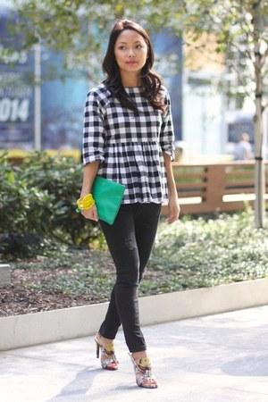 white gingham asos top - black ripped Zara jeans - green clutch Leatherology bag