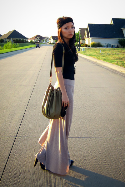 beige maxi skirt Zara skirt - black clogs Aldo shoes - green deux lux purse