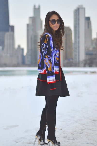 blue satin vintage jacket - black suede Michael Kors boots