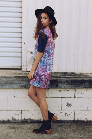 black Missguided hat - black Finery boots - magenta May The Label dress