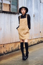black platforms Shellys London boots - camel Boohoo dress