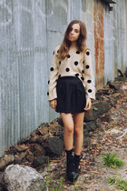 off white LuLus sweater - black Shel boots - black pleated denim Topshop skirt
