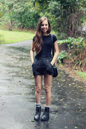 high-waisted Urban Outfitters shorts