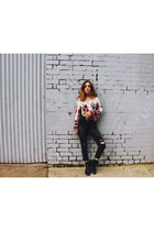 white Penny Lane Exchange top - black leather RM Williams boots