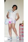 Silver-converse-shoes-white-t-shirt-beige-vest-pink-shorts-black-accesso