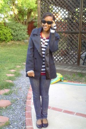 black blazer - sweater - jeans