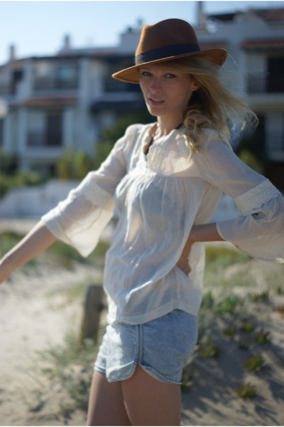 Topshop shorts - Sfera hat - Topshop blouse