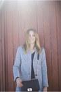 Zara-jeans-romwecom-jacket-converse-sneakers